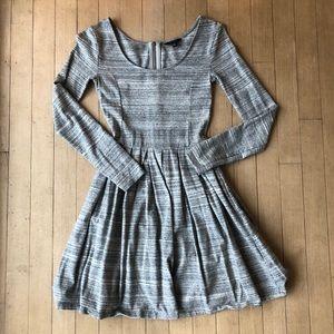 Aritzia Talula Gray Heathered Dress